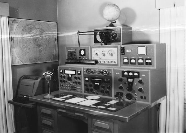 ham-radio.jpg